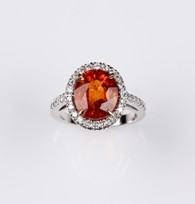MIKURA Diamond & Garnet Ring