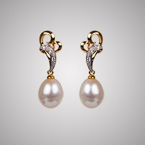 Heart Freshwater Pearl Earrings & Diamonds,  8.0mm, 18KY