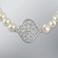 Pearl Bracelet with White Freshwater 7.5-7.0 mm Pearls
