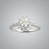 0.51ct Solitaire Diamond Ring with side stones, SI2 clarity, G color