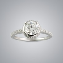 0.90ct Solitaire Diamond Ring with side stones, VS2 clarity, G color