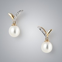 Pearl Earrings with White Freshwater and Diamonds
