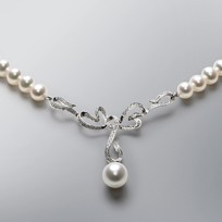 Valentine Pearl Necklace with White Freshwater Pearls