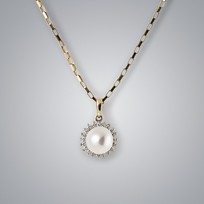 Sunburst Pearl Pendant with White Freshwater Pearl and Diamonds