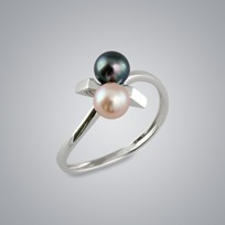 Pearl Ring with Natural Multicolor and Treated Black Freshwater 5.0-4.5 mm Pearl