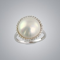 White Mabe Pearl Ring & Diamonds,14.0mm, 18KW