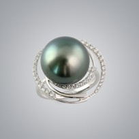 Pearl Ring with Natural Black South Sea 14.0-13.0 mm Pearl