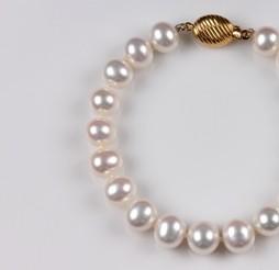 White Freshwater Pearl Bracelet, 9.5mm, 18KY