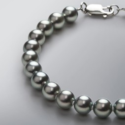 Pearl Bracelet with Treated Black Japanese Akoya 7.0-6.5 mm Pearls