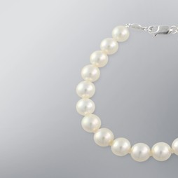 Pearl Bracelet with White Japanese Akoya 8.5-8.0 mm Pearls