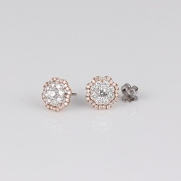 MIKURA Cluster Diamond Stud Earrings