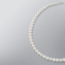 White Freshwater Pearl Srand Necklace 7.5mm 18KW