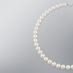 Pearl Necklace with White Japanese Akoya 9.0-8.5 mm Pearls