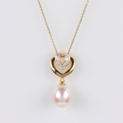 White Freshwater Pearl Heart Pendant 8.0mm 18KY