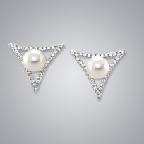 Triangle Freshwater Pearl Earring, 6.5mm, Diamonds, 18KW
