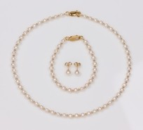 Kids Freshwater Pearl Beads Set, Necklace, Earrings and Bracelet, 18KY